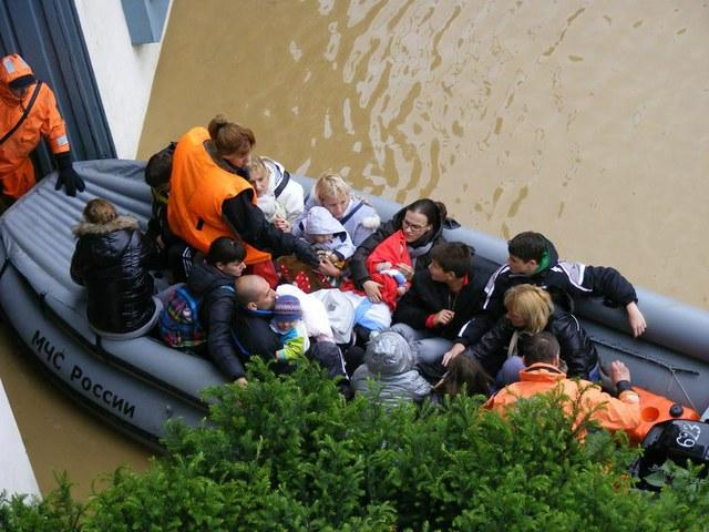Evakuacija majki sa decom u Obrenovcu