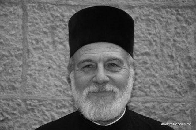 Otac Momčilo Momo Krivokapić